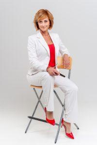 Portfólió (13) műtermi széken ülve